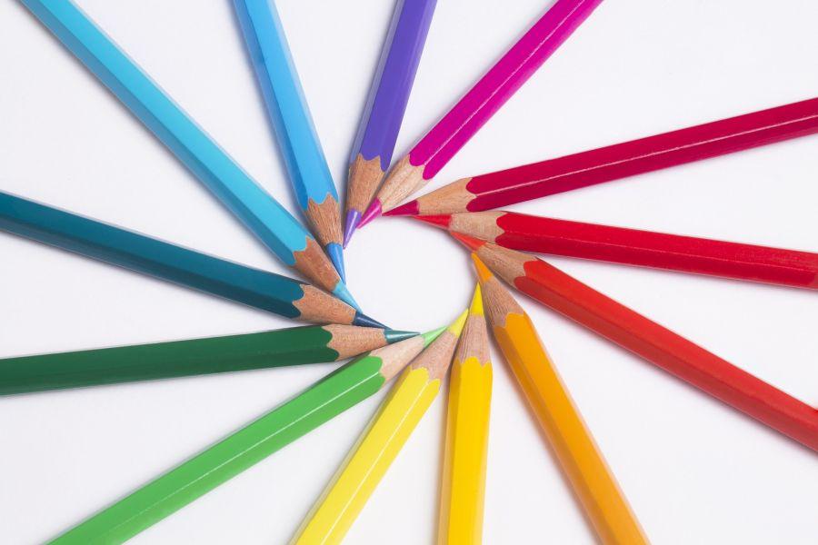pencils-695366_1920.jpg